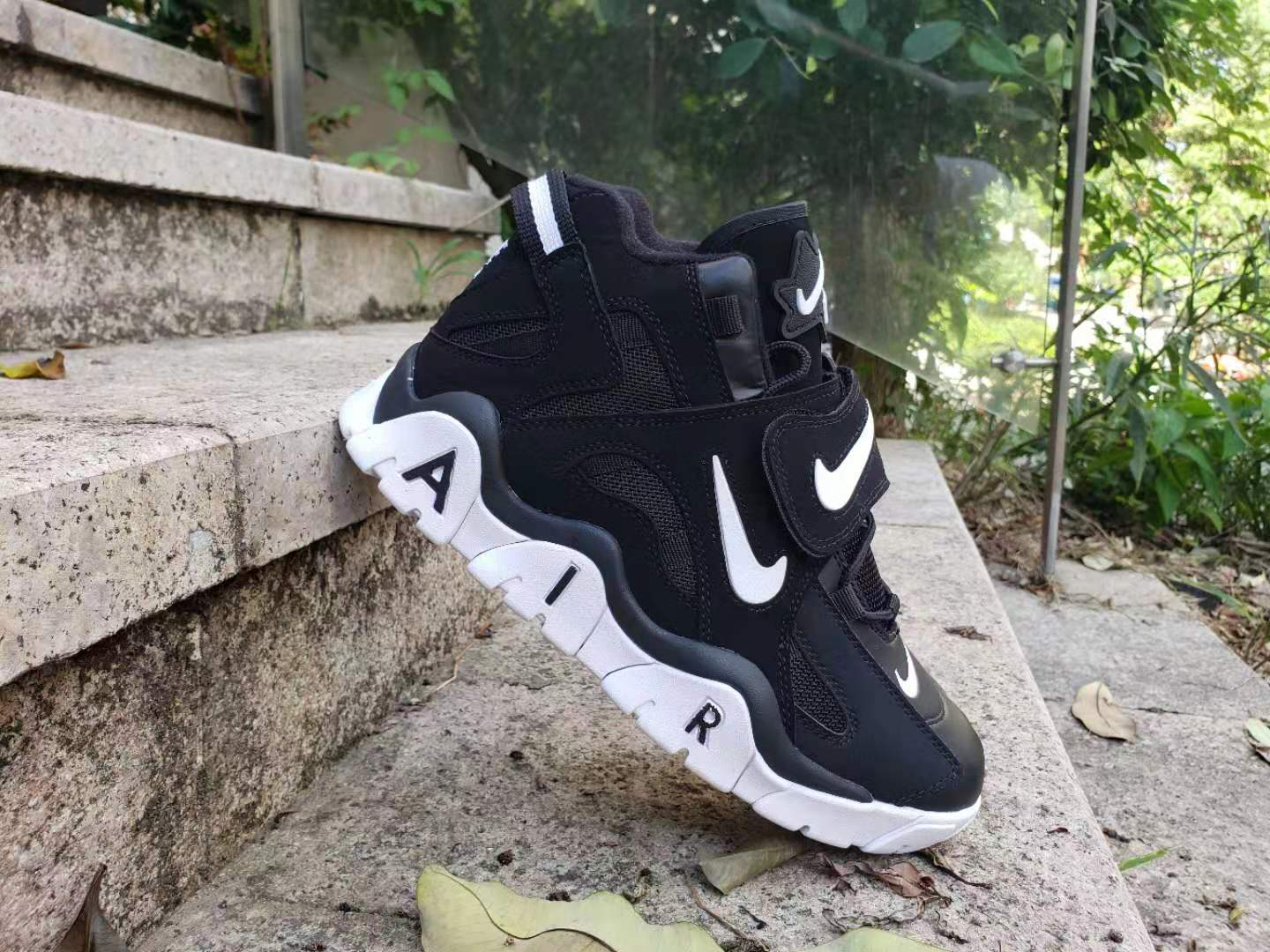 Cheap Women Nike Air Barrage Mid QS Black White