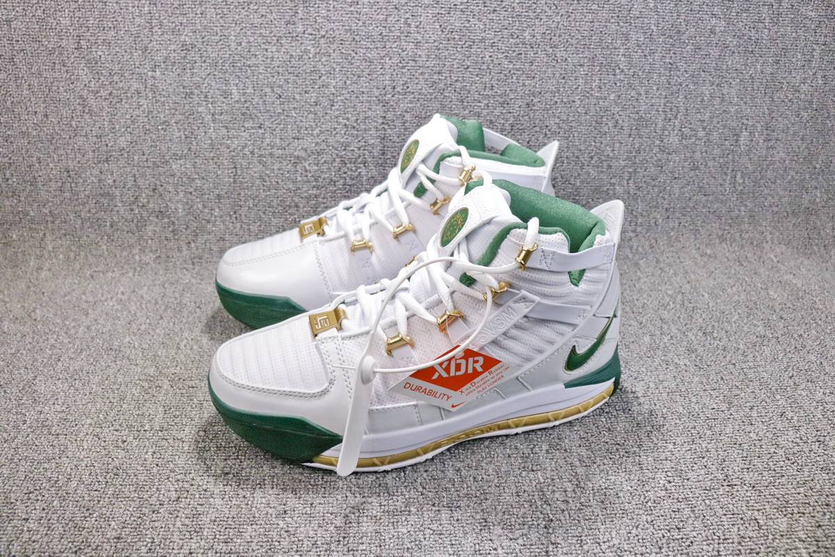 New Release Nike Zoom Lebron 3 SVSM White Green Gold